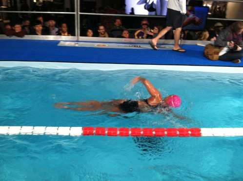 Diana Nyad swims 48 hours in Herald Square